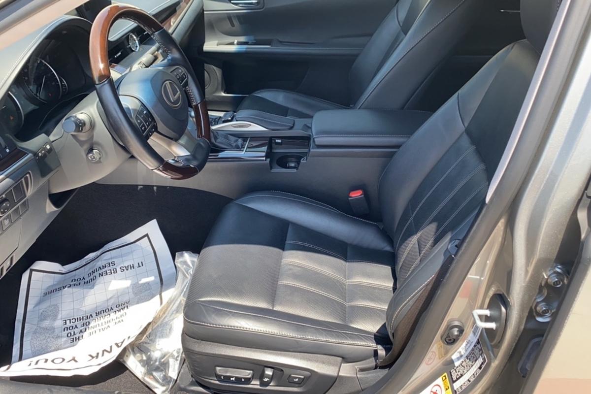 2018 Lexus Es 300h Sedan