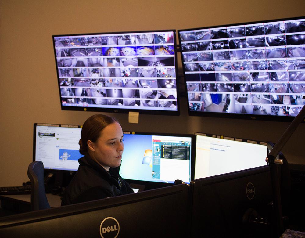 1512008514 officerweb.jpg