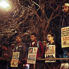 Thumb 220 1417670579 protest hartono.jpg
