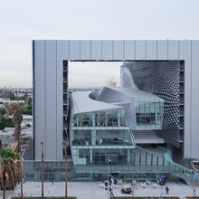 Thumb_220_1422488408-exterior-shot-of-the-center-from-west-sunset-blvd.jpg