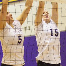 Thumb_220_vball_tharp