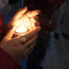 Thumb 220 vigil