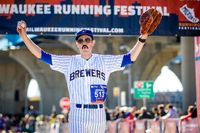 Thumb mrf 2015 rollie fingers