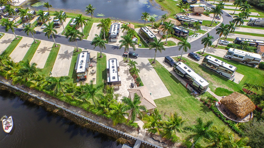 Direct Tv Cable And Internet >> Naples Motorcoach Resort & Boat Club