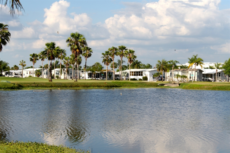 Live Oak RV Resort & Golf Course