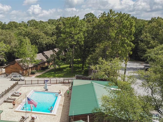 Twin Lakes Camp Resort
