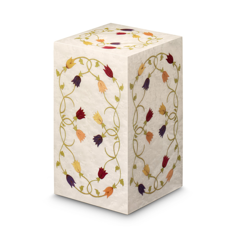 Alexandra vertical urn