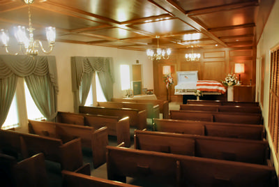 The warm atmosphere of Akes Funeral Home