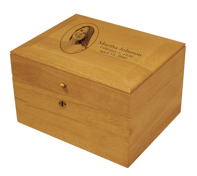 Memory Chest Oak  123.00 9.7 W x 6.2 H x 7.8 D, 240 Cubic Inches