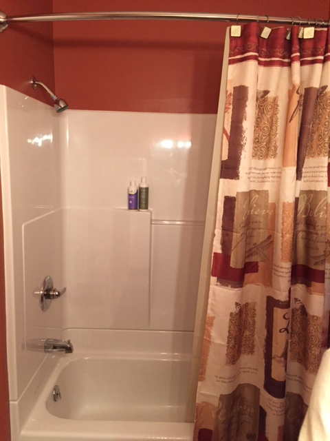Remodeled bath with shower/tub