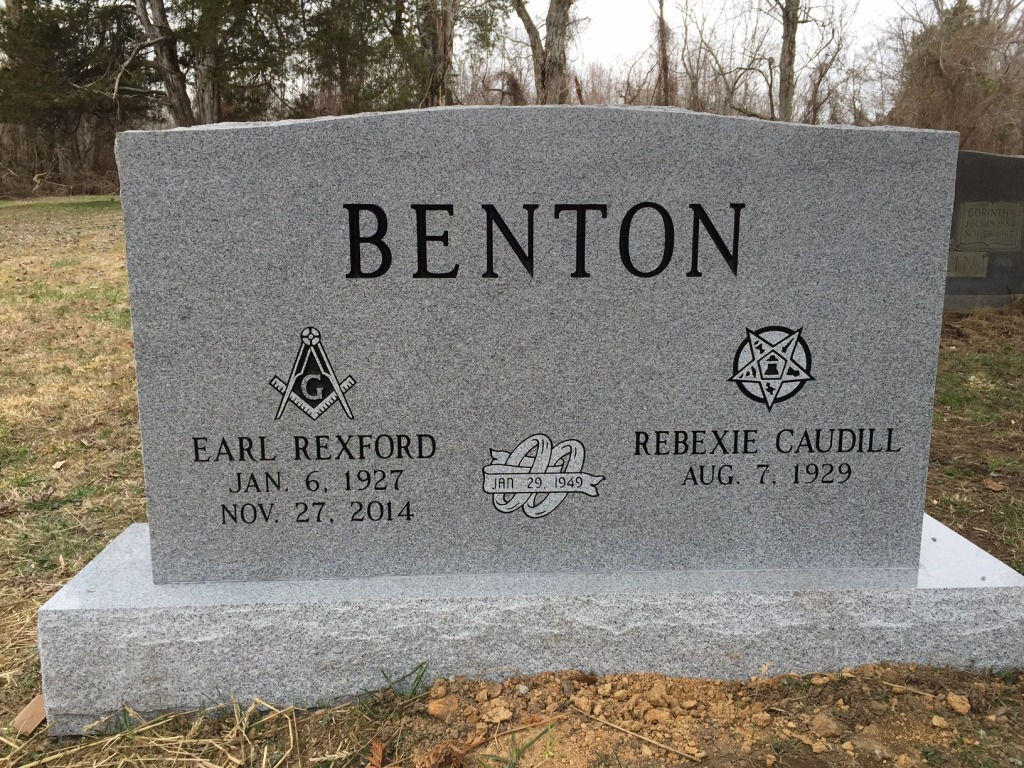 The Monument of Earl Rexford  Rebexie Caudill Benton