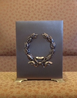 410.00 Stainless Steel Polished Wreath