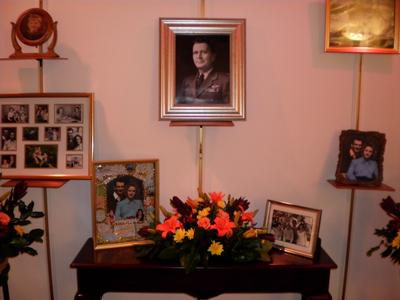 Many places for displaying memorial items and pictures.