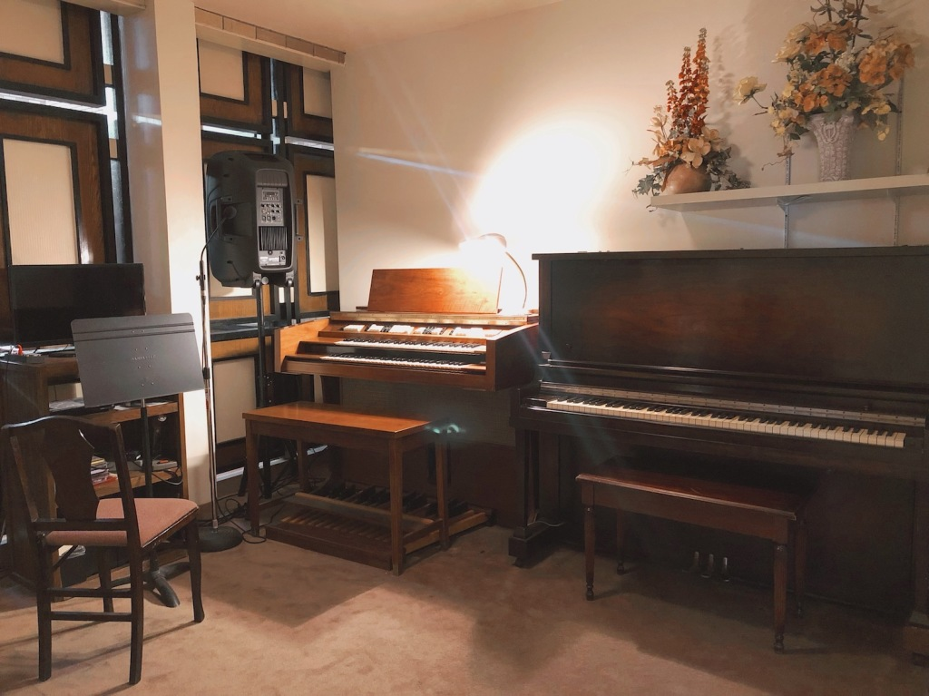 East Chapel Music Room at Darling-Mouser Funeral Home