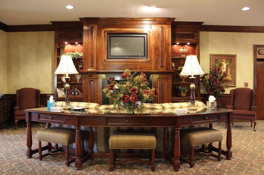 Sitting Area & Fireplace