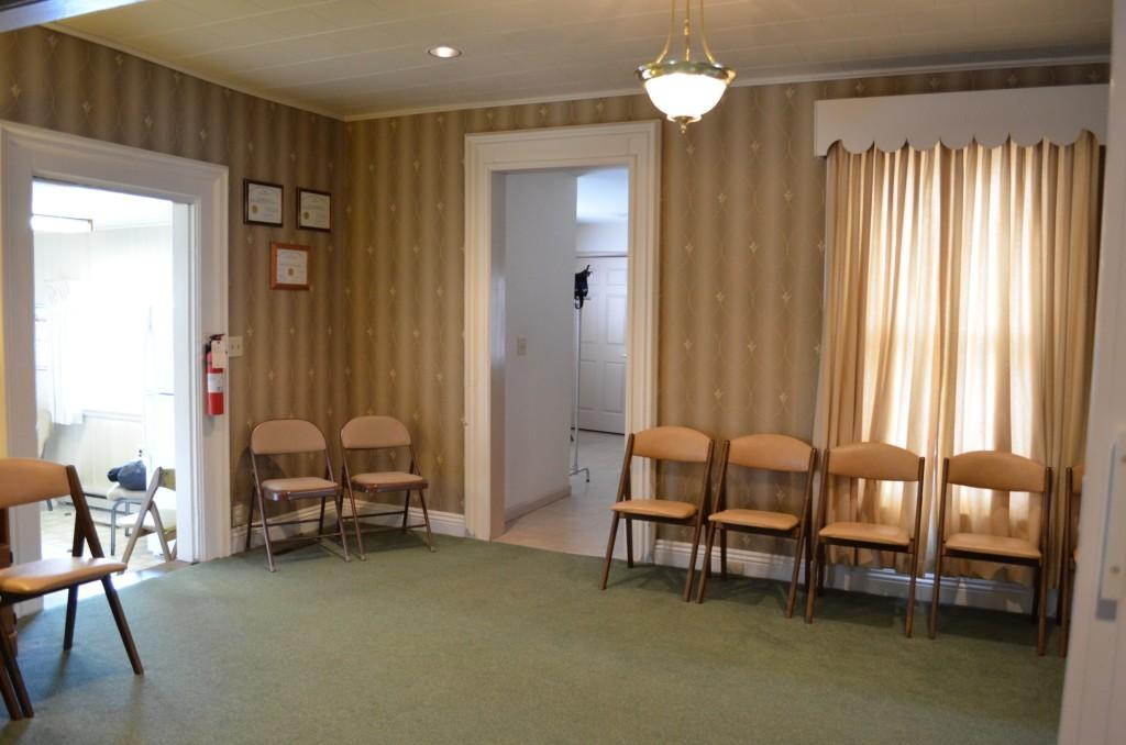 Bainbridge Location - Secondary Sitting Room