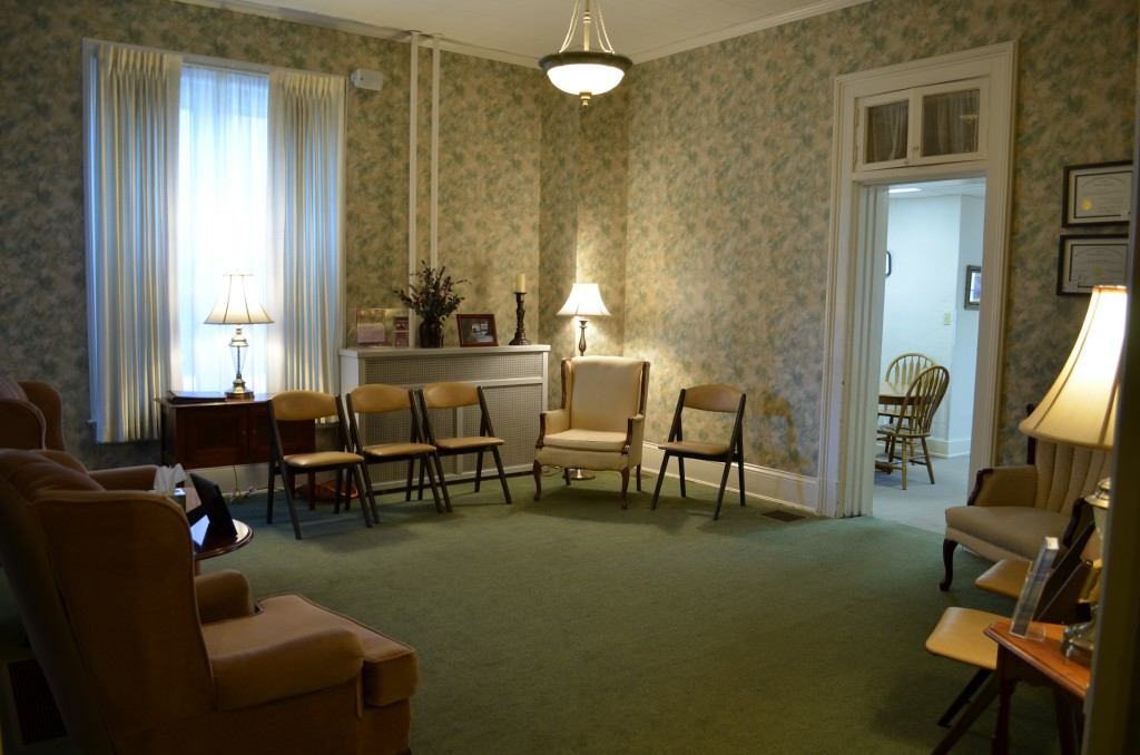 Frankfort Location - Sitting Room