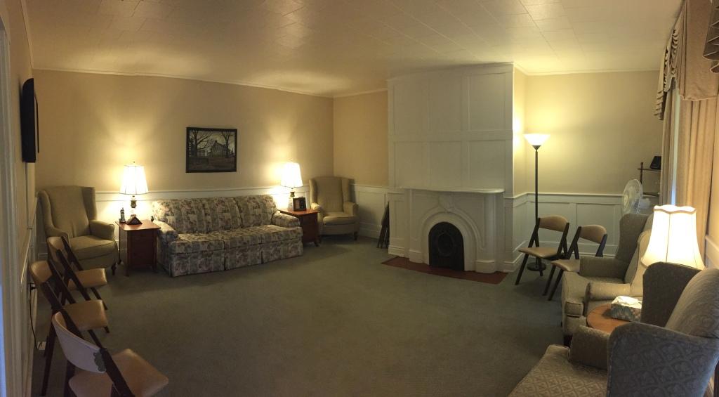 Bainbridge Location - Sitting Area