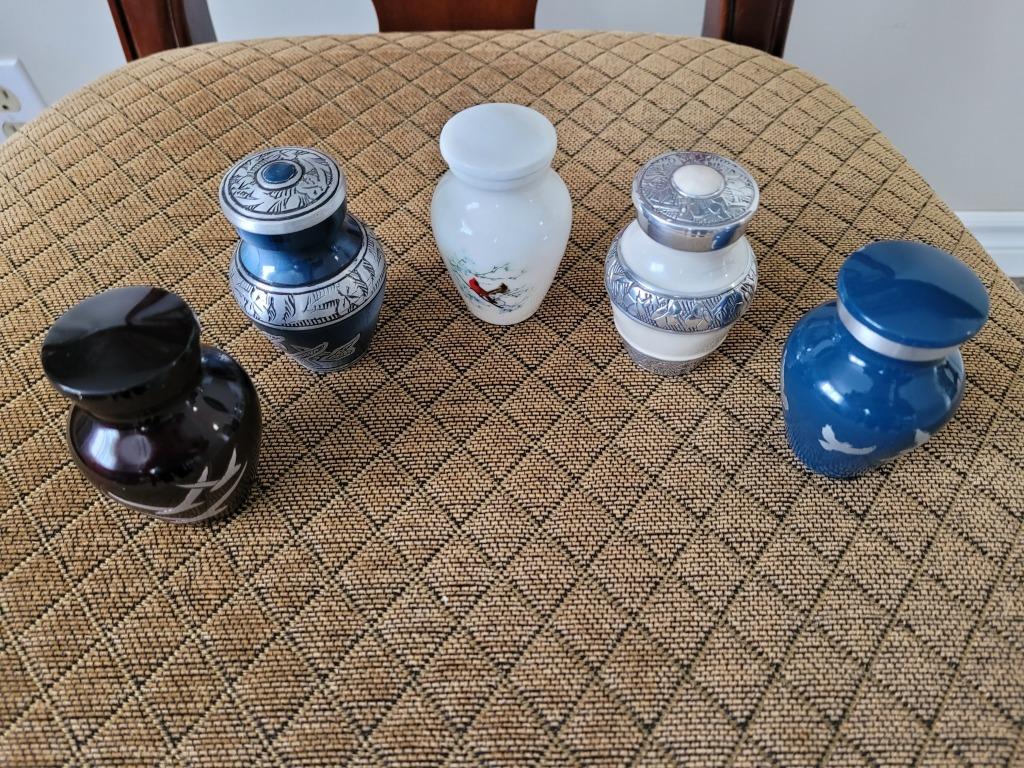 Small Keepsake Urns