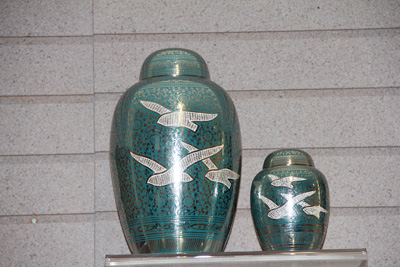 Large Cremation Urn Selection