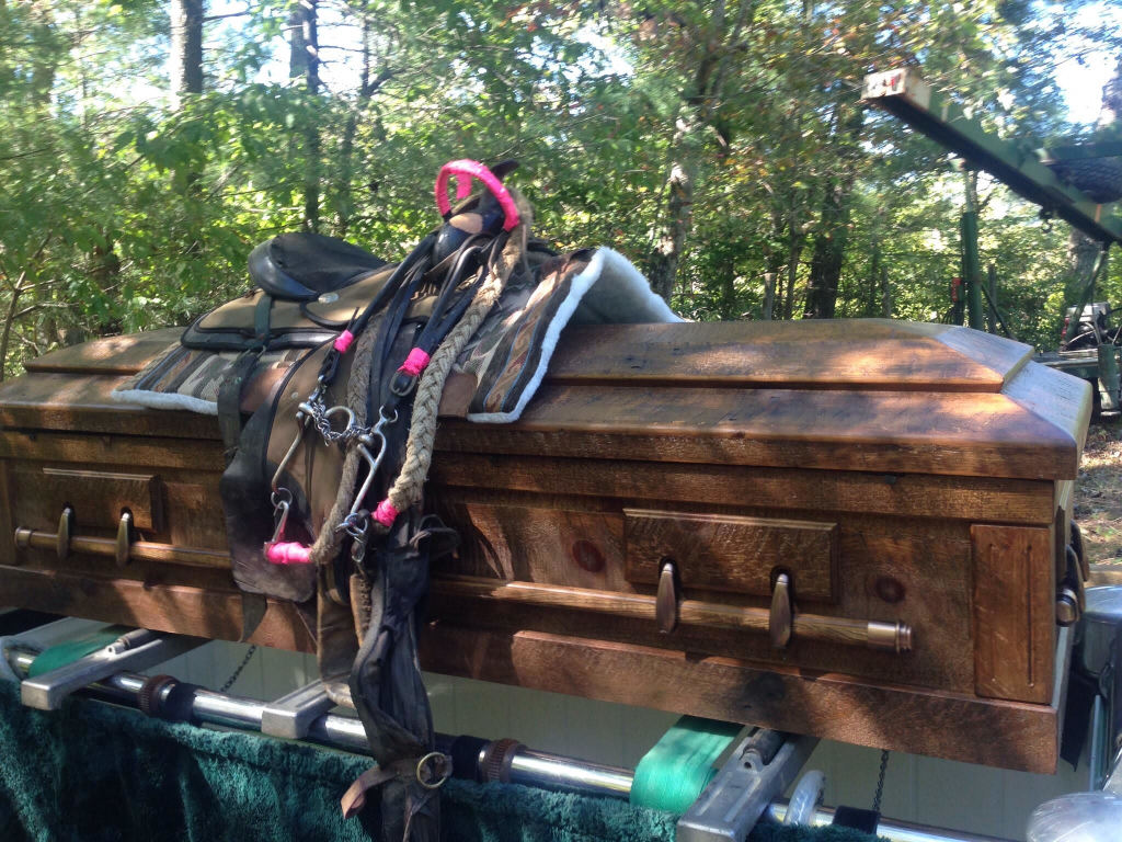 For one who enjoys horseback riding, this is an option to remember the happy trails.