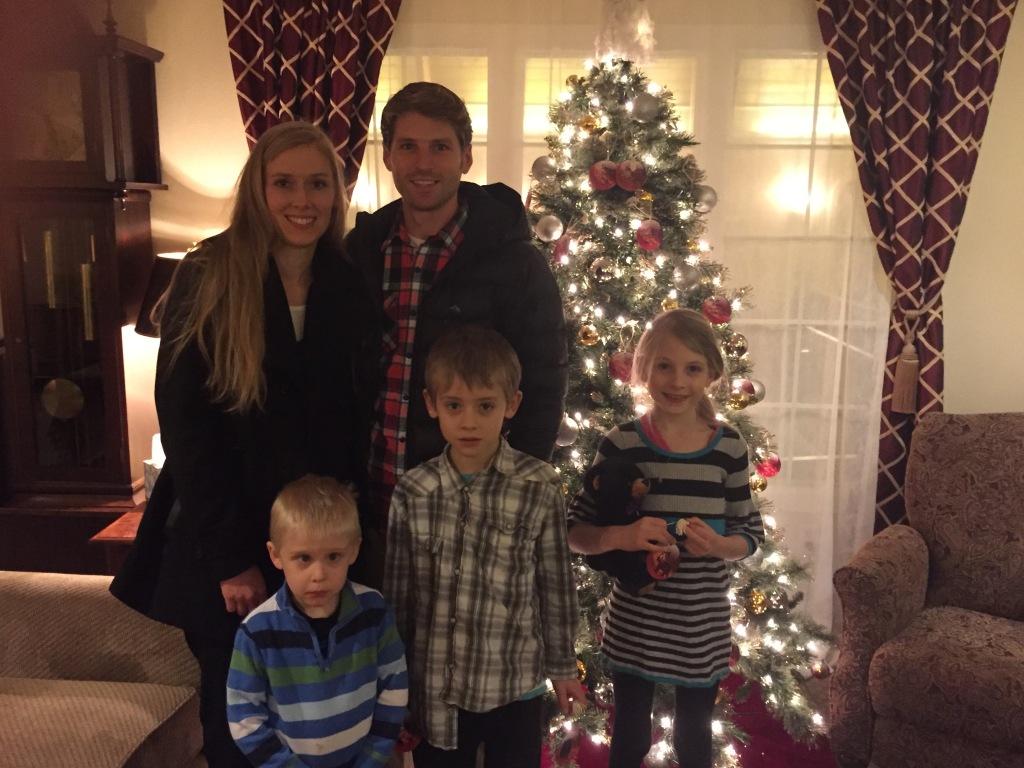 Family photos by the Tree