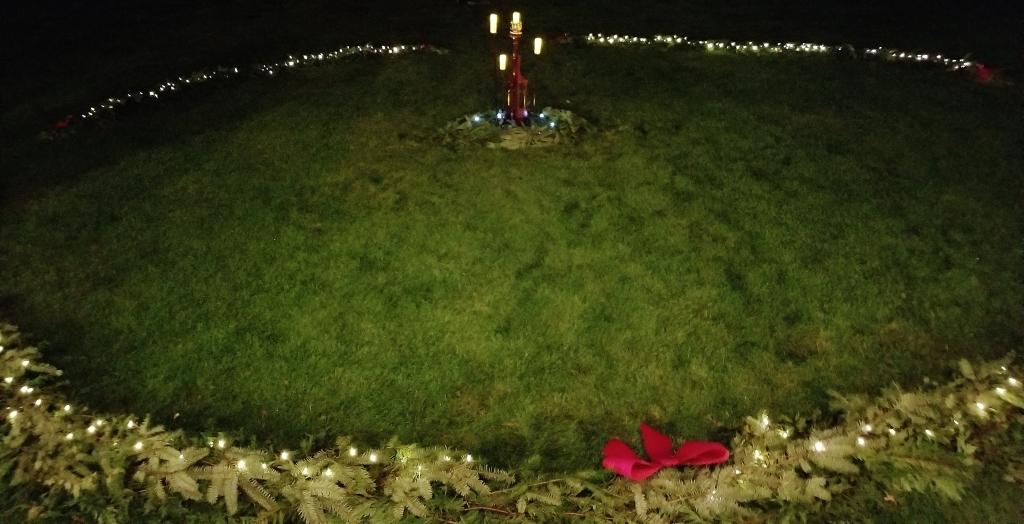 Wreath awaiting Luminaries