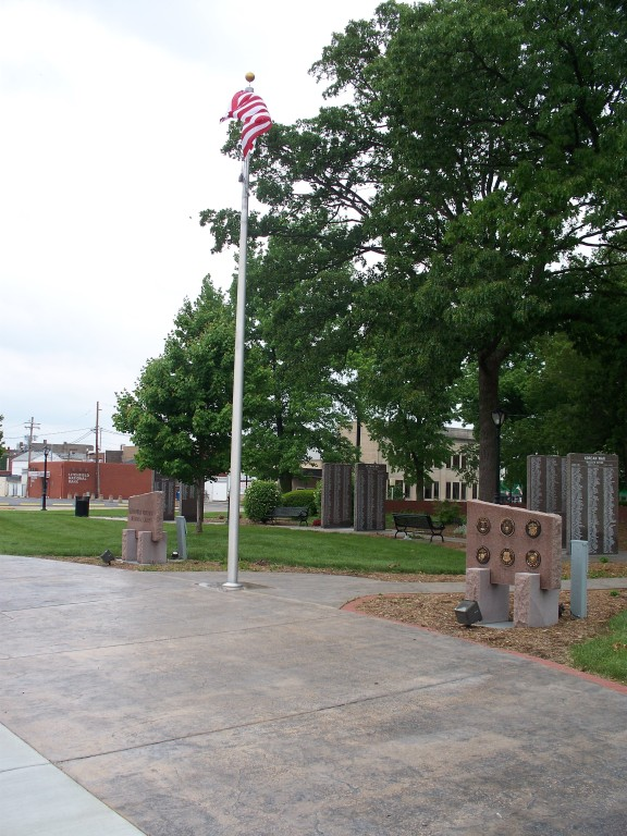 Veterans Memorial, Library Park, Litchfield, IL