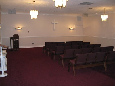 Main Chapel / Family Viewing Room