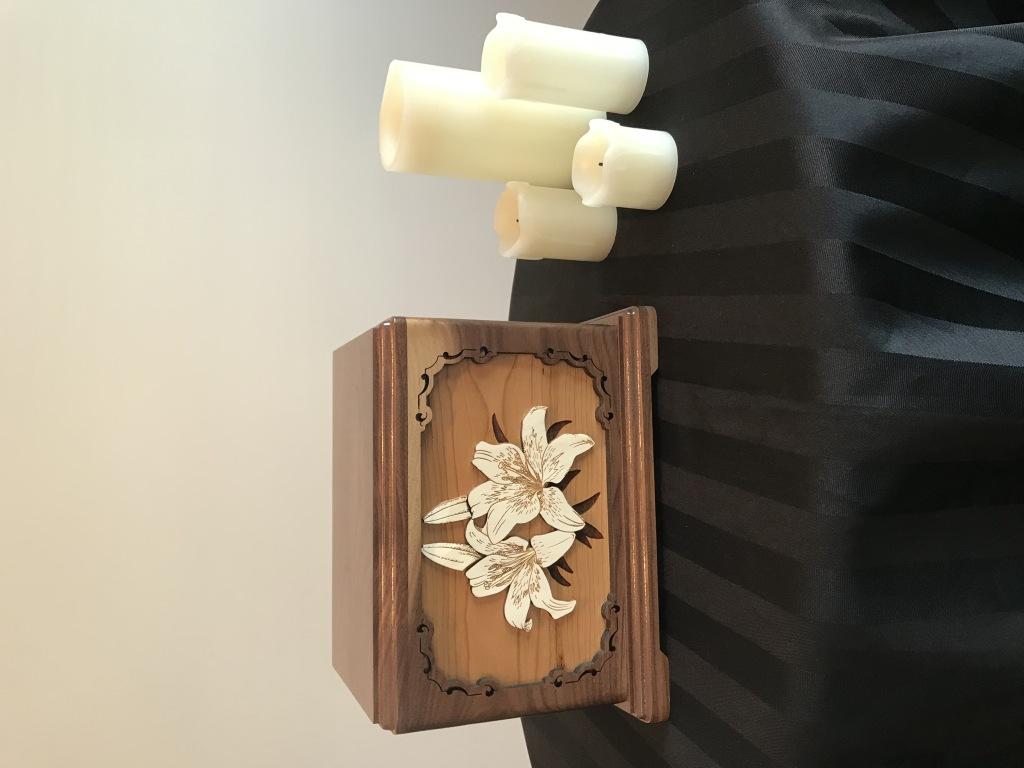 Lilies 3-D Urn