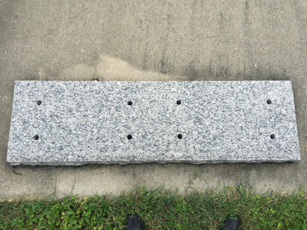 DOUBLE FLAT MARKER WITH HOLES FOR BRONZE