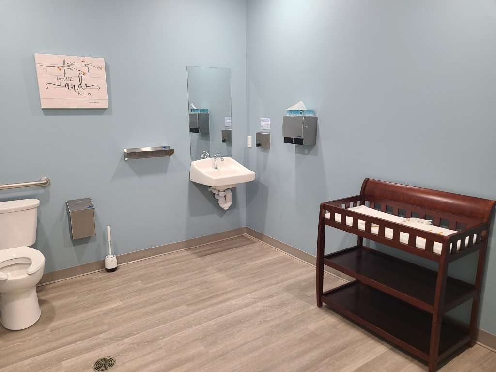 Barrier free/family washroom.