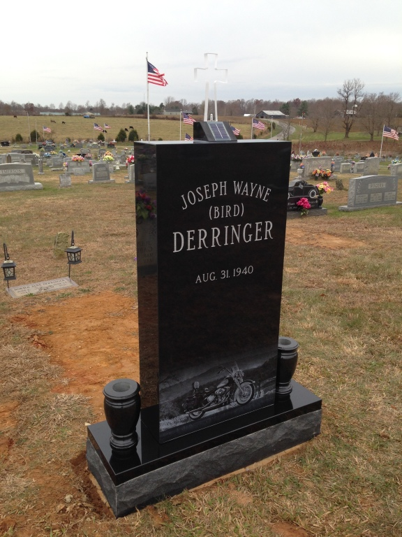 Front of Joseph Wayne Birdlegs Derringer headstone