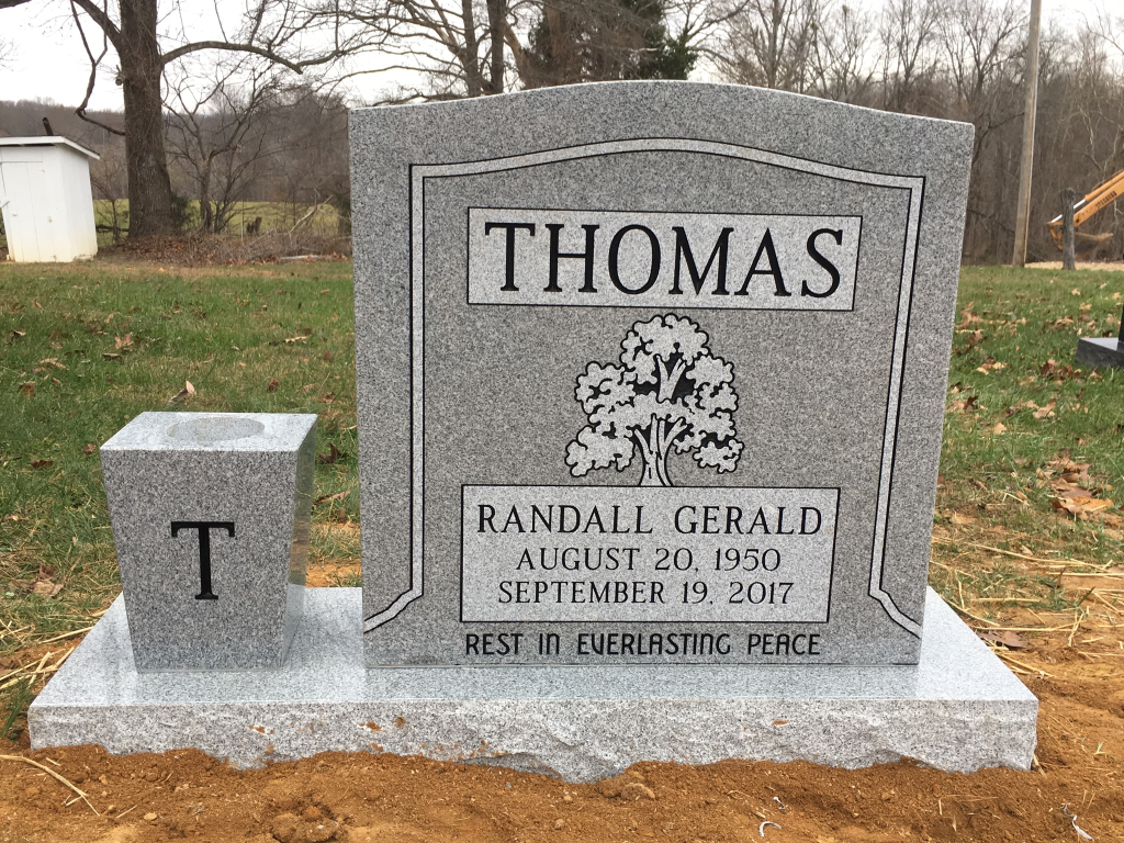 Headstone for Randall Gerald Thomas