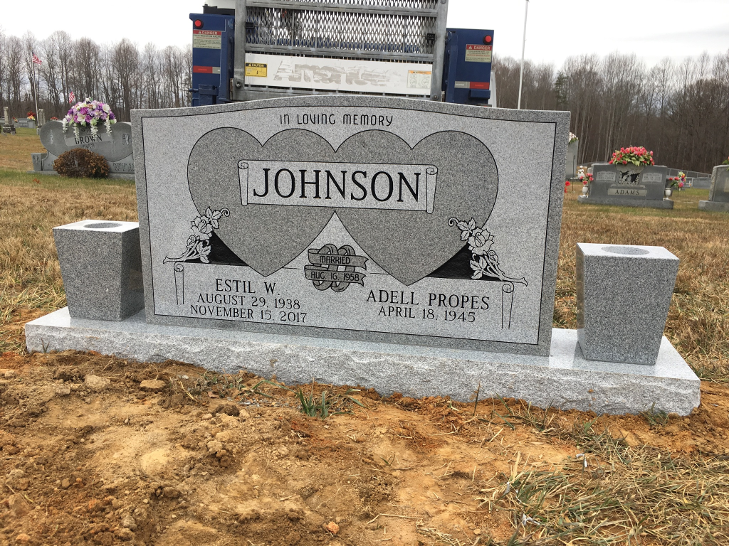 Headstone for Estil and Adell Johnson