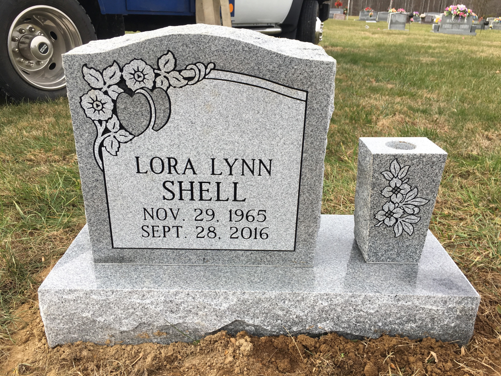 Headstone for Lora Lynn Shell