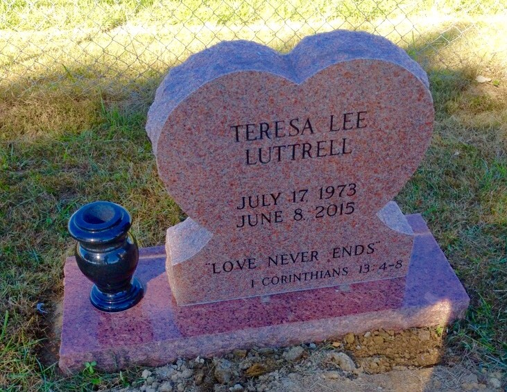 Headstone for Teresa Lee Luttrell