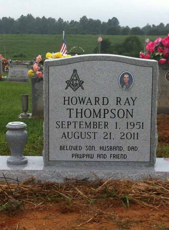 Headstone for Howard Ray Thompson