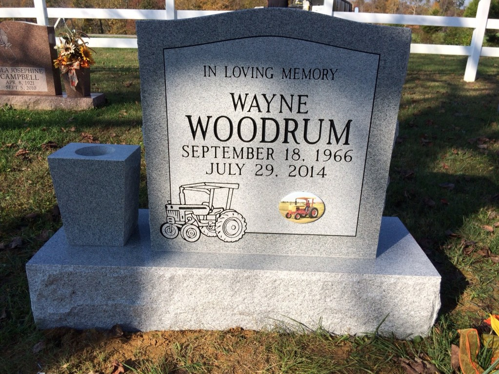 Headstone for Wayne Woodrum