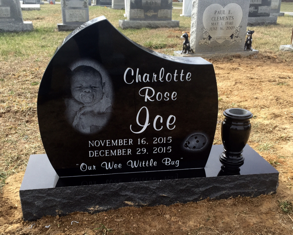 Front of Charlotte Rose Ice headstone