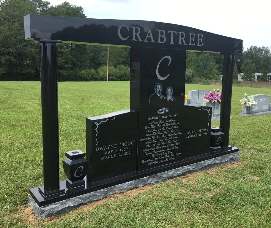 Front of Dwayne and Paula Crabtree headstone