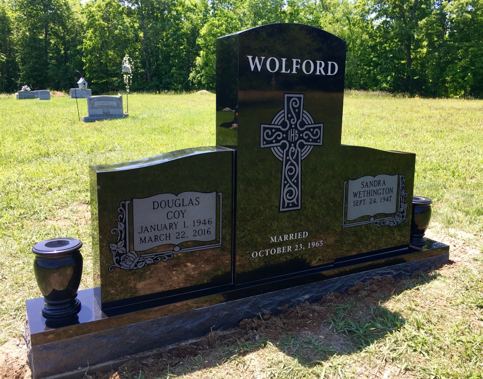 Front of Doug and Sandy Wolford headstone
