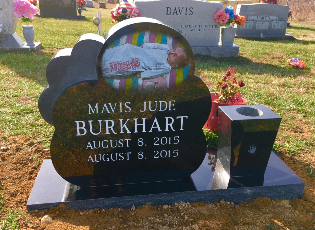 Front of Mavis Burkhart infant headstone
