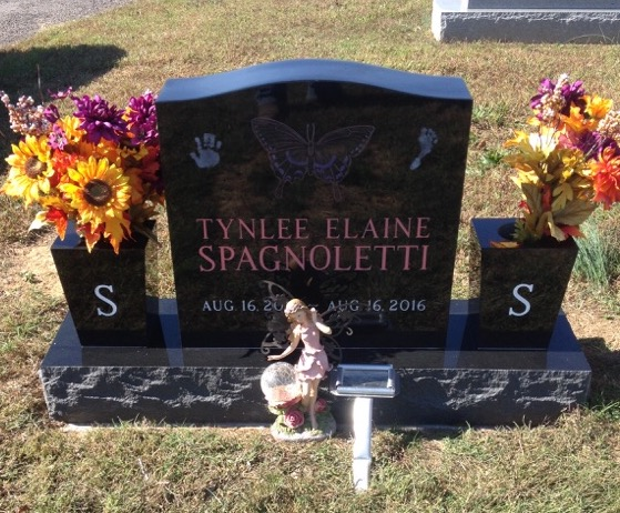 Front of Tynlee Elaine Spagnoletti infant headstone