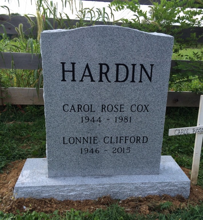 Headstone for Lonnie and Carol Hardin