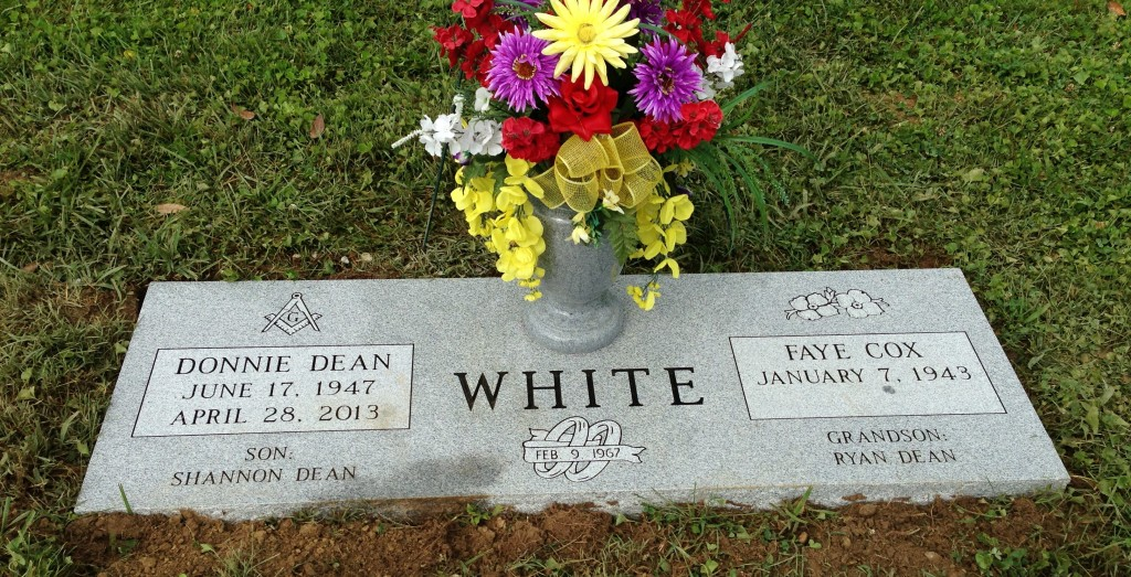 Donnie and Faye White double flat marker