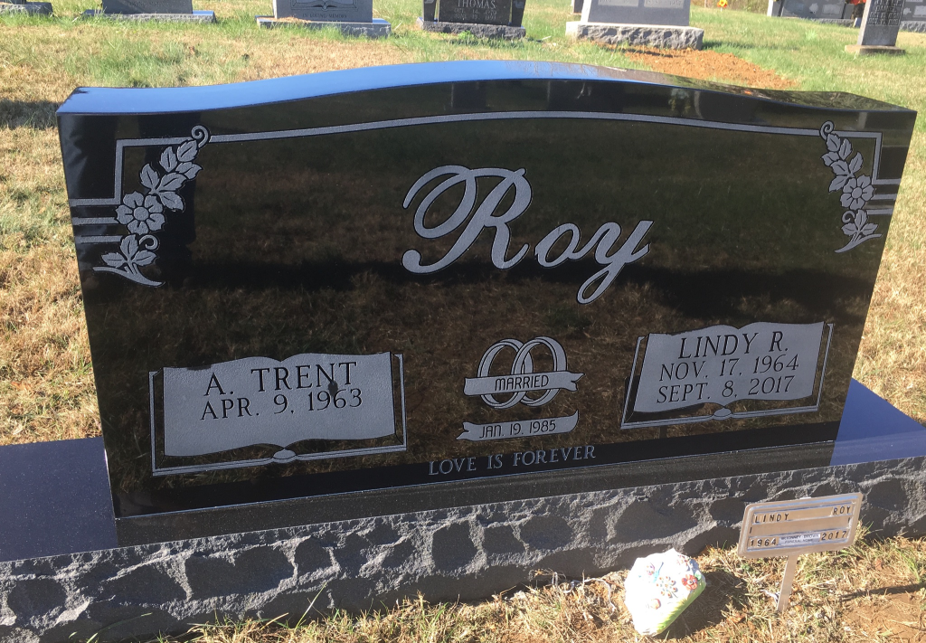 Front of Trent and Lindy Roy headstone