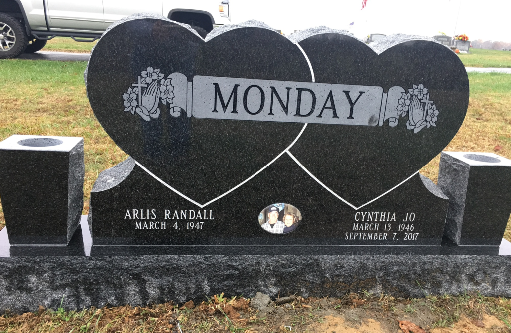 Front of Randall and Cindy Monday headstone
