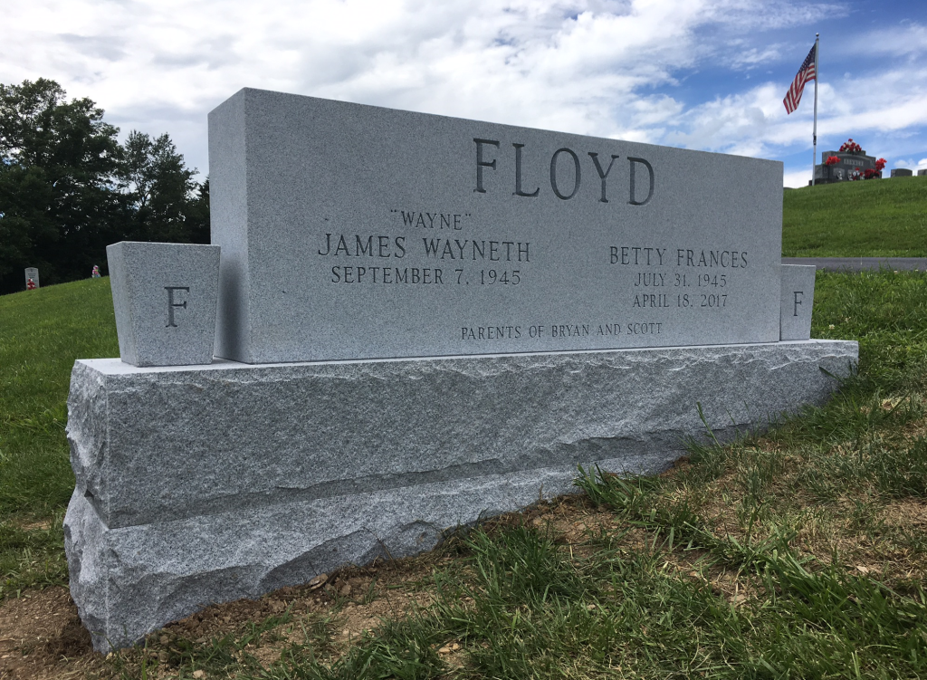 Headstone for Wayne and Betty Floyd