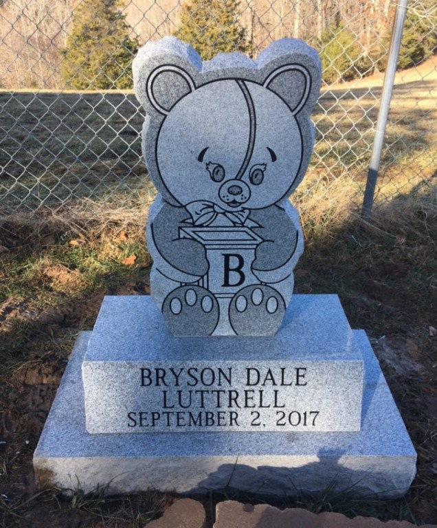 Infant headstone for Bryson Dale Luttrell